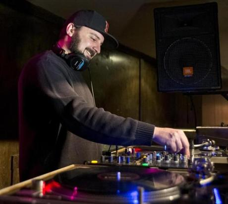 Producer Moldy recently spinning tunes at Good Life bar.