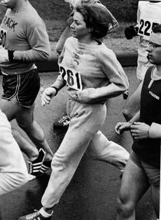 BGscan/ OPS ** 4/19/1967 kathy Switzer of Syracuse (261) and Rocky Chamberlain directly behind during marathon. . Globe photo Paul J. Connell -- Marathonhistory