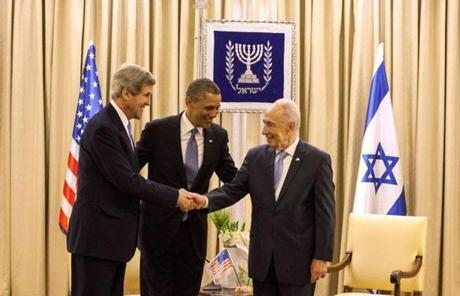 President Obama and US Secretary of State John Kerry met with Israeli President Shimon Peres in Jerusalem.