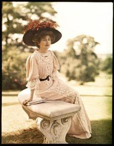 Lady Helen Vincent in 1910.