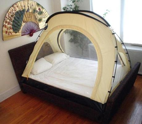 Goucher's entire bedroom is sealed off and set to high-altitude oxygen levels, while Flanagan's tent encapsulates her bed.