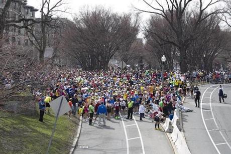 Runners who had not yet finished the race were stopped on Commonwealth Avenue, and the race was halted after the blasts.