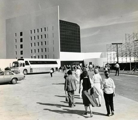 October 23, 1979: The John F. Kennedy Library at Columbia Point had an estimated 8,000 visitors on its first day. Originally just 5,000 people from South Boston and Dorchester were invited to view the library as