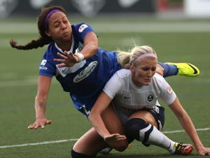 The Breakers' Sydney Leroux (left) battled Kaylyn Kyle (right) of the Seattle Reign in a game last month.
