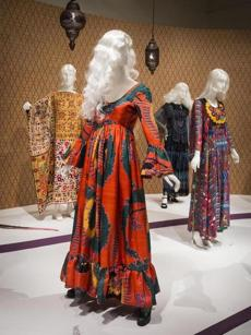 Woman's dress Designed by: Geoffrey Beene (American, 1927Ð2004) American, 1970 Printed silk plain weave *Museum of Fine Arts, Boston. Gift of Elizabeth Ann Coleman *Reproduced with permission. *Photograph © Museum of Fine Arts, Boston -- 18hippie