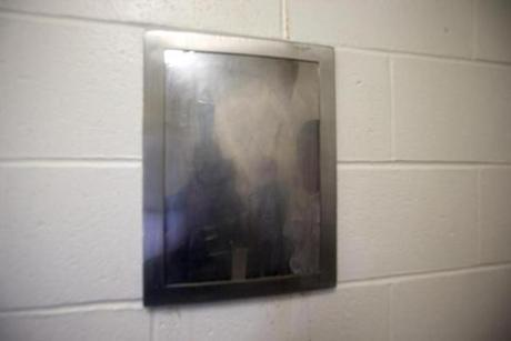 This is similar to the so-called mirror, made of plastic, Aaron Hernandez has in his cell.