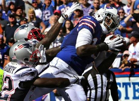 Bills wide receiver Steve Johnson pulled in a touchdown pass to give Buffalo a 21-17 lead at the start of the third quarter.