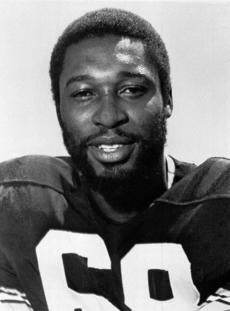 Mr. Greenwood helped Pittsburgh win four Super Bowls in a six-year span.