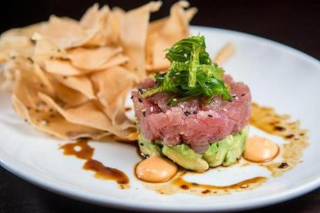 Tuna tartare with avocado and wontons.