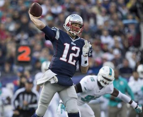 Tom Brady threw a pass against the Dolphins in the second quarter.