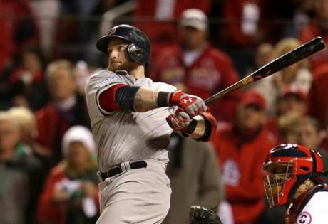 Jonny Gomes belted a three-run homer that gave the Red Sox a 4-2 lead in the sixth inning.