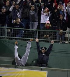 Ortiz's home run went into the bullpen just out of the reach of a diving Torii Hunter. The image of Hunter falling and police officer Steve Horgan celebrating would soon become an iconic moment of the postseason run.