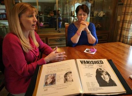 Private investigator Michelle Littlefield (left) and Jennifer Lynn Fay's mother, Dottie McLean.