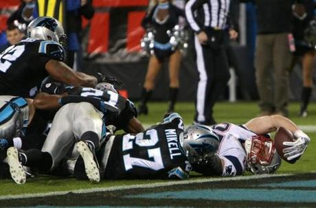 Patriots tight end Rob Gronkowski stretched for a touchdown in the third quarter.