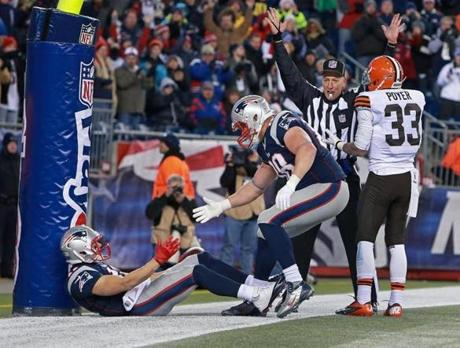 Edelman got a hand from Matthew Mulligan as the referee signaled touchdown in the fourth quarter.