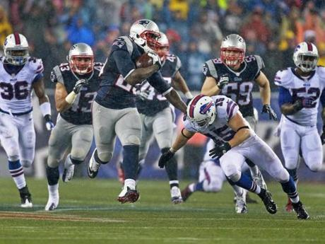 Blount finished the game with 24 carries for 189 yards and two touchdowns.