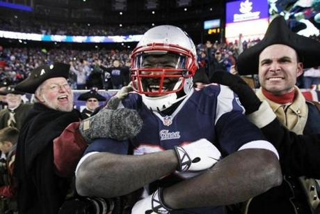 LeGarrette Blount and the Patriots celebrated a rout of the Steelers.