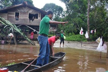 Haimraj Hammandeo, a schools welfare officer, arrived by canoe at a village along one of the many rivers in Guyana.