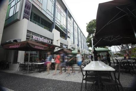 The Lincoln Road Mall pedestrian plaza has shops, restaurants, galleries, and people to watch.