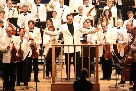 Andris Nelsons acknowledged the crowd before his all-Dvorak program on July 11.