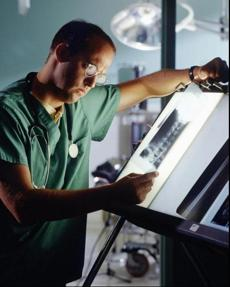 "Anthony Edwards in ""E.R,"" which was among the first of the medical dramas to fasten onto medical accuracy and show a variety of viscera."