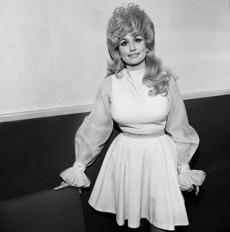 "Henry Horenstein, ""Dolly Parton, Symphony Hall, Boston,"" 1972 -- 22honkytonk"