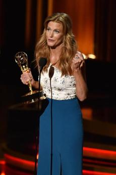 Anna Gunn accepted the Outstanding Supporting Actress in a Drama SeriesAward for his role in