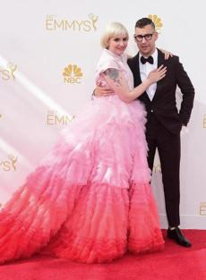Lena Dunham and Jack Antonoff arrived on the red carpet.