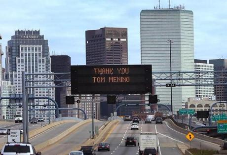 Boston10/31/2014-A sign on the Expressway northbound as Boston looms in the background, a day after the death of the former Boston mayor Thomas Menino. . Boston Globe staff photo by John Tlumacki(metro)