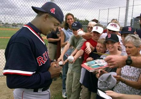At spring training in 2000, fans were eager to get a Pedro Martinez autograph.