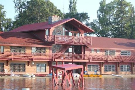 18alternative - Fair Hills Resort is a family-friendly oasis in Minnesota which is open in every season except winter. (Fair Hills Resort)
