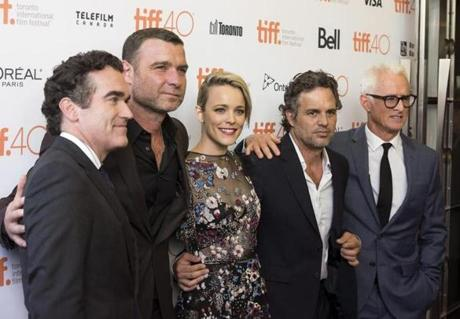 From left: d'Arcy James, Schreiber, McAdams, Ruffalo, and Slattery on the red carpet.