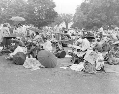 Tanglewood Lawn audience ca. 1955. Photo credit: Plouffe Studios --- 17twoodmain