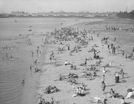 People swam at Charles Bank in 1940.