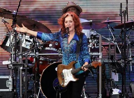Boston, MA - 8/11/2017 - Bonnie Raitt in concert at Fenway Park. - (Barry Chin/Globe Staff), Section: Arts, Reporter: Marc Hirsh, Topic: 13TaylorRaitt, LOID: 8.3.3376335075.