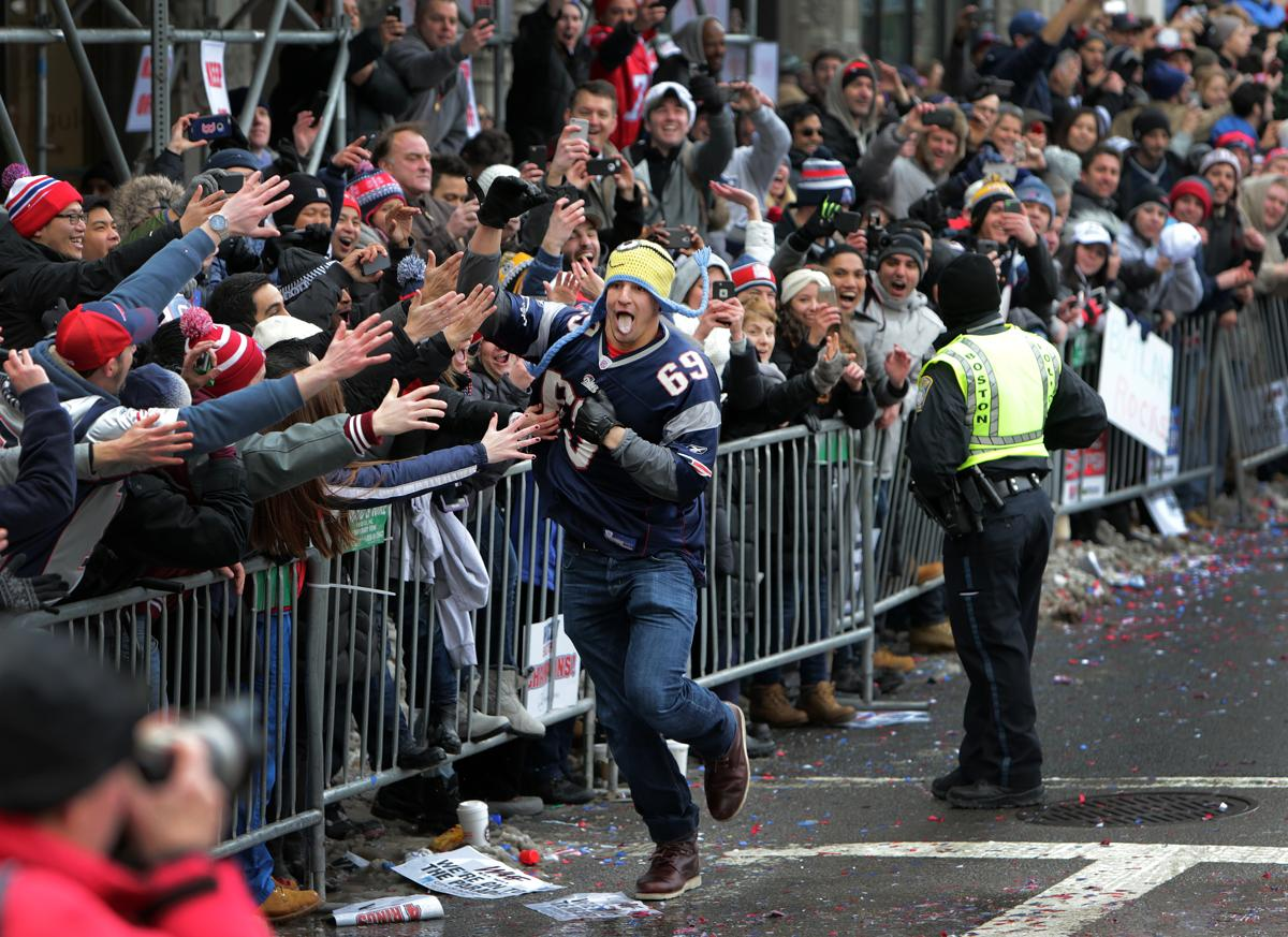 news england patriots taking their super bowl victory boston parade brady