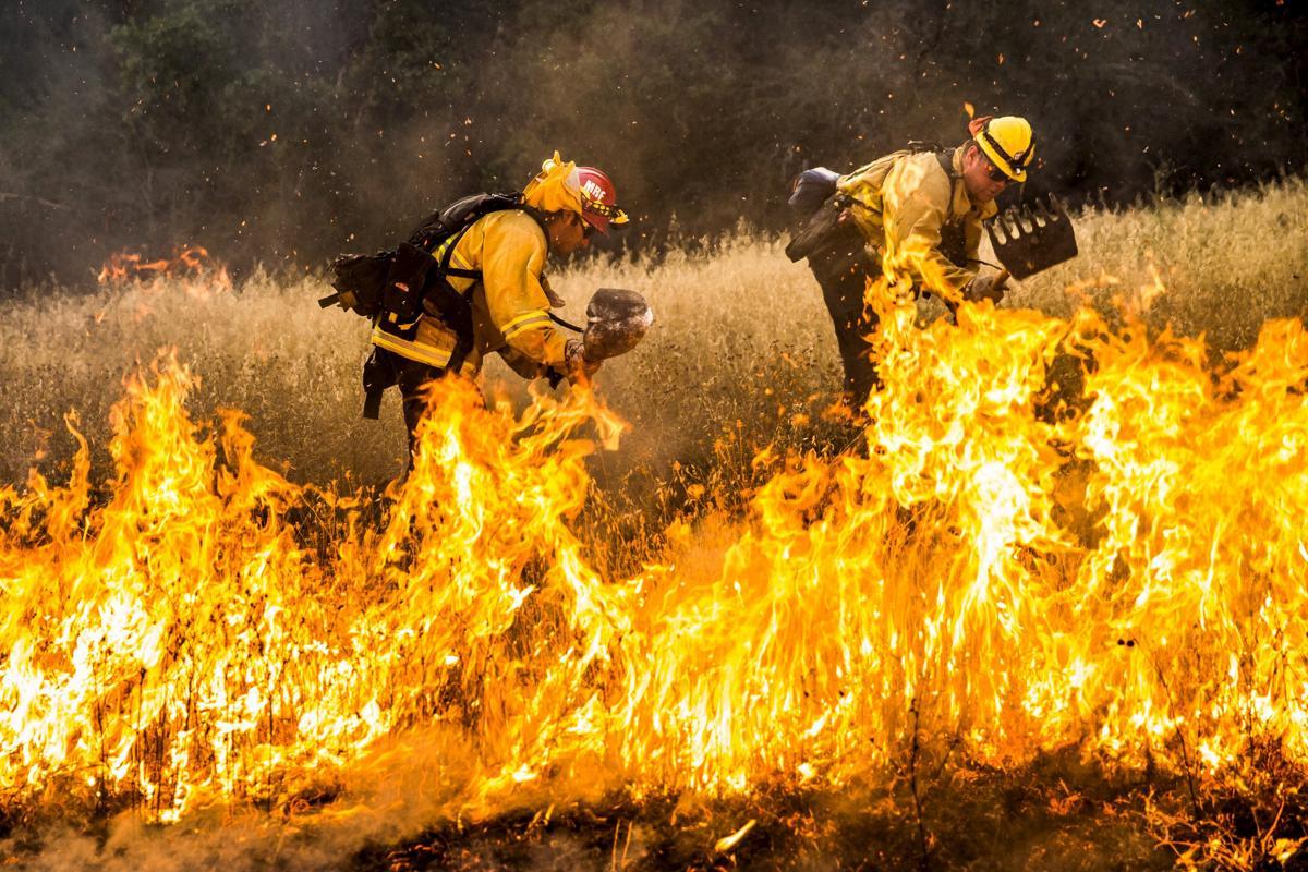 Espectaculares fotos de los incendios de California 2015-07-31T062759Z_252691818_GF20000009539_RTRMADP_3_USA-WILDFIRES-WEST