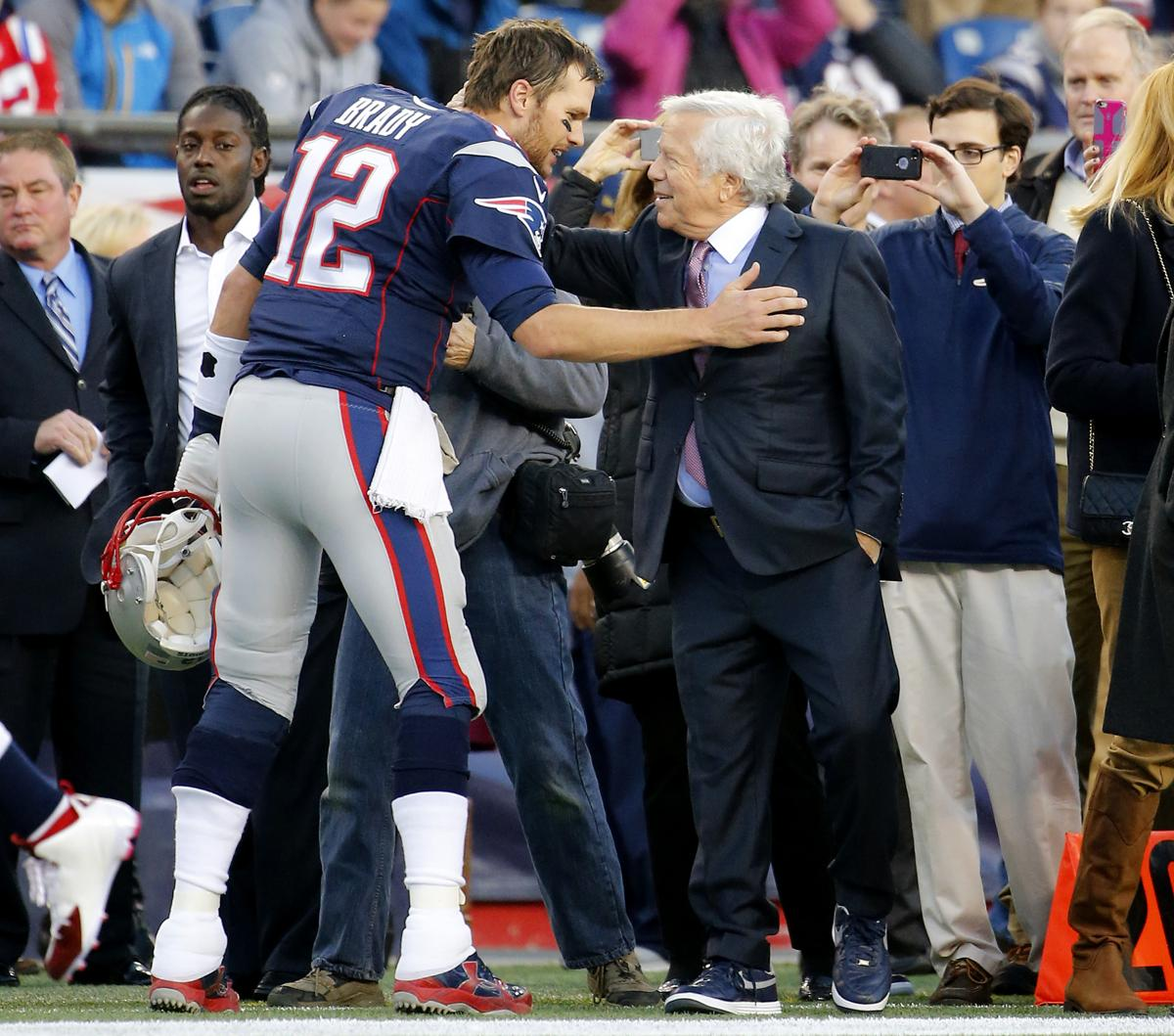 097c92bf5 Robert Kraft wants to extend Tom Brady beyond next season