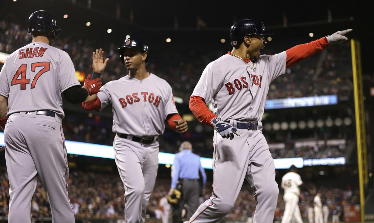 Red Sox offense goes the extra mile in win over Giants