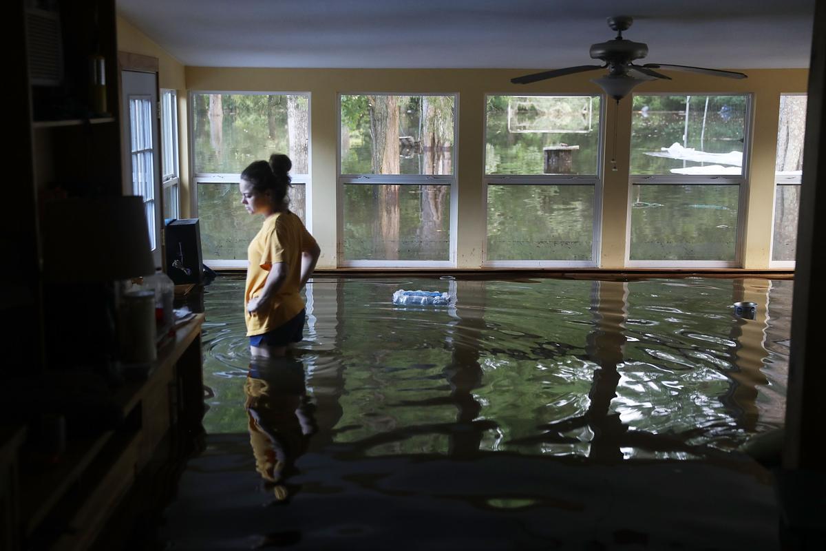 Obama Tours Nc Floods