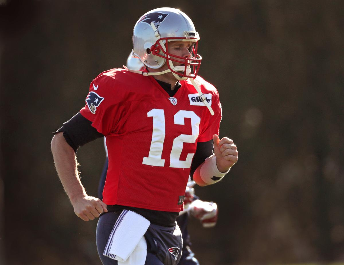 6bba63949 The 49ers passed on Tom Brady in the 2000 draft. He s got some payback for  them
