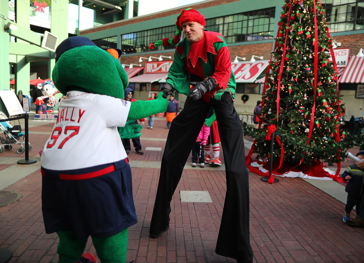 A busy week for the Red Sox ends with Christmas at Fenway