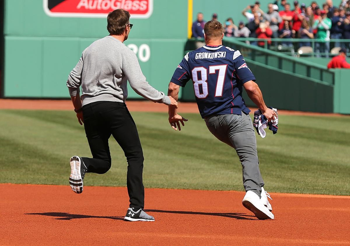 """Rob Gronkowski simulated """"stealing"""" Tom Brady s jersey. So of course Brady  gave chase. 0265aada3"""