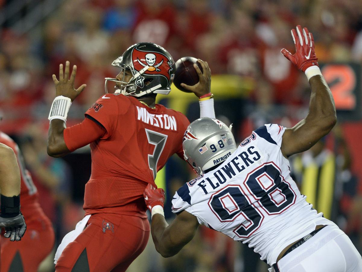 Trey Flowers is ting after it on defense for Patriots