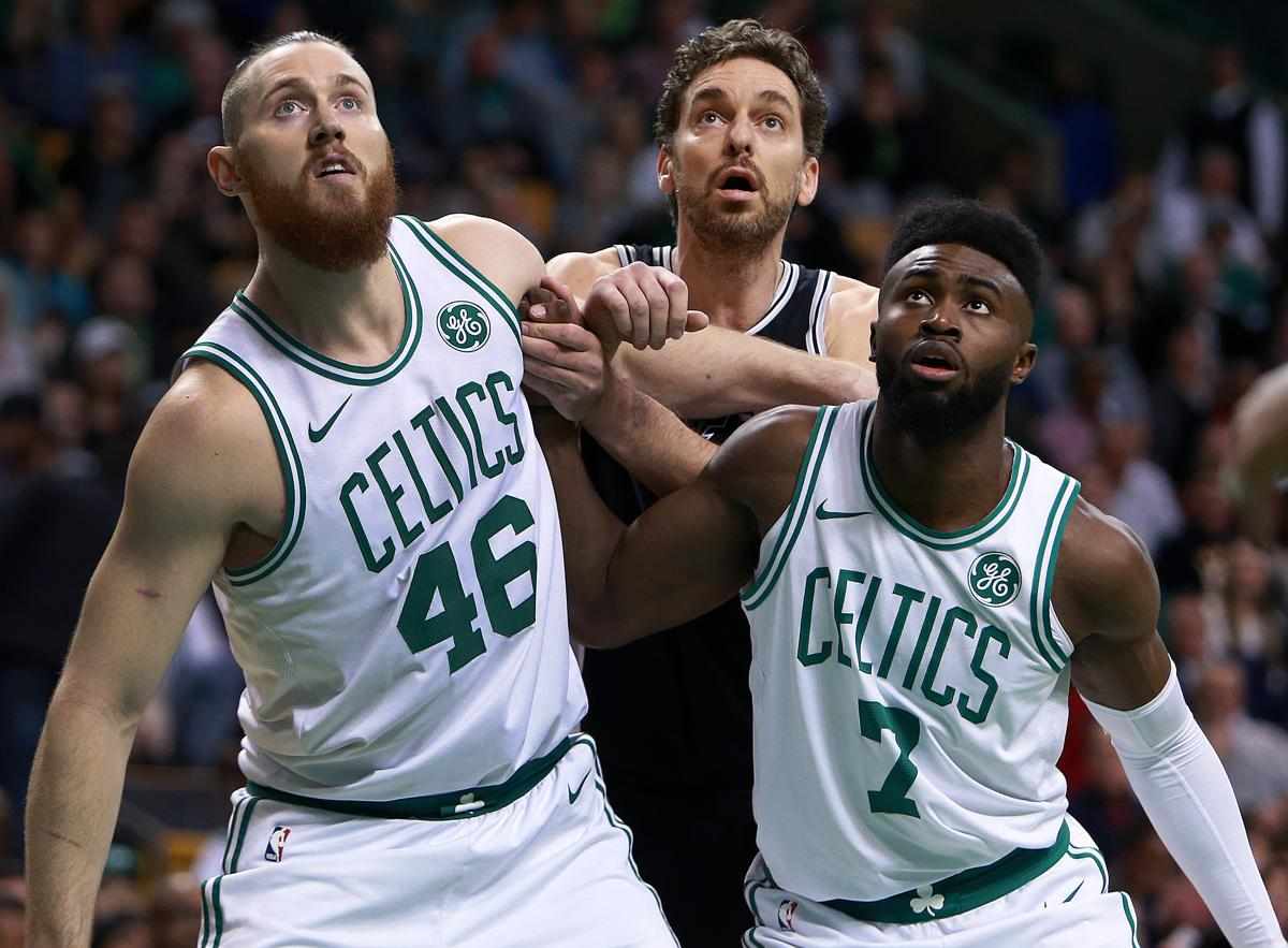 Gregg Popovich sees a lot of Dave Cowens in Aron Baynes