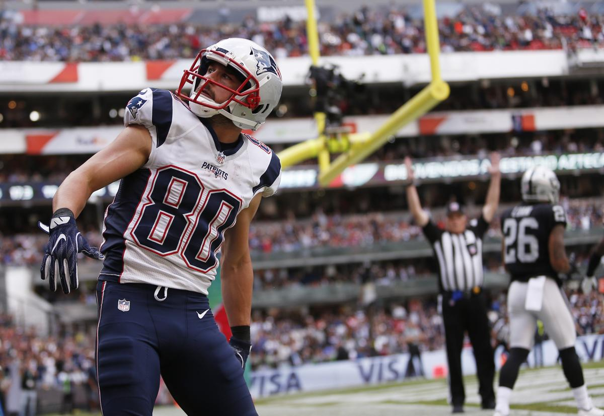 2f7bc5006 Danny Amendola is expected to sign with the Dolphins