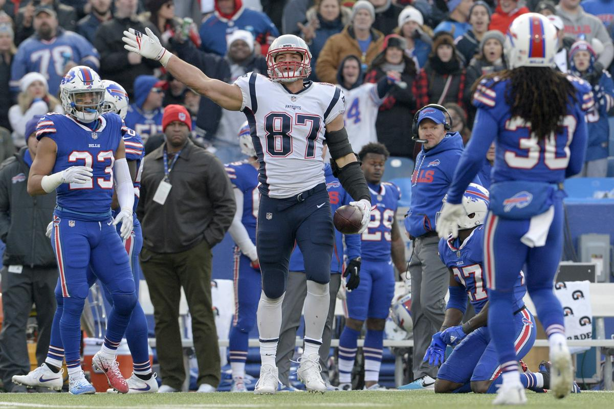 Chad Finn Rob Gronkowski deserves a one game suspension
