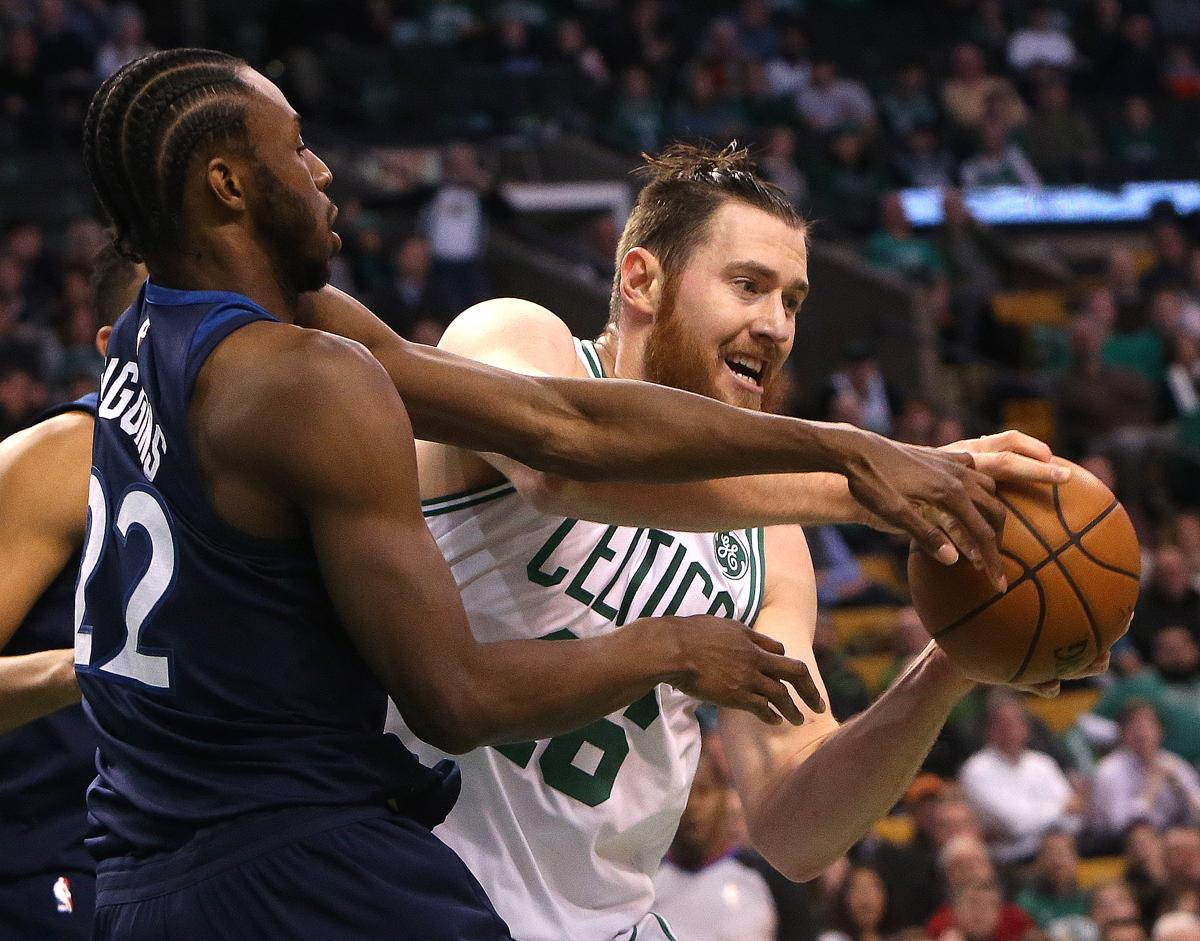 Cold-shooting Celtics win fifth straight