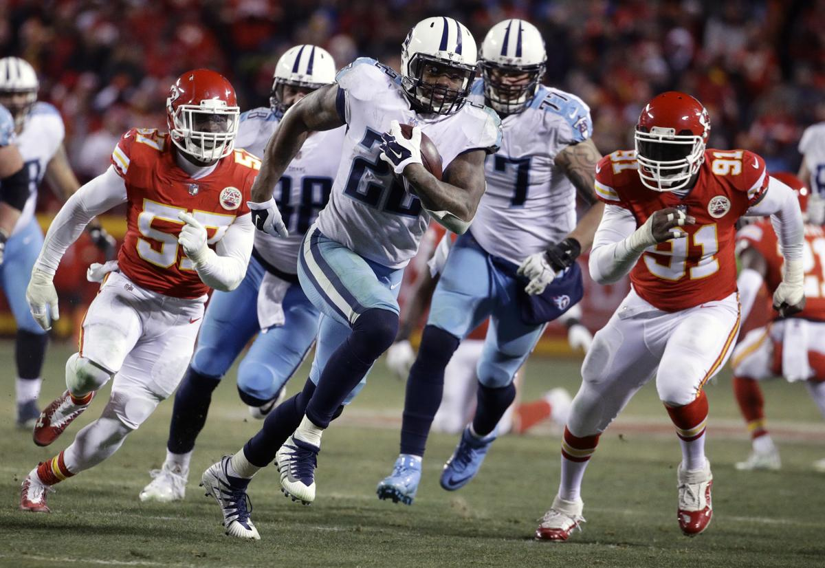 Tennessee Titans running back Derrick Henry (22) runs for a 35-yard  touchdown 2d3d88372