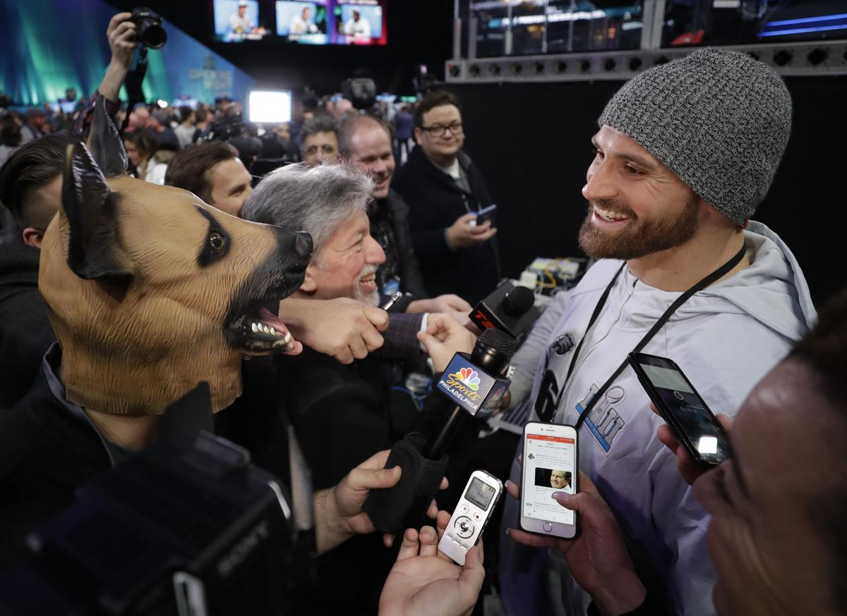 Chris Long made a ridiculous bet on the result of Super Bowl LII ce4966084